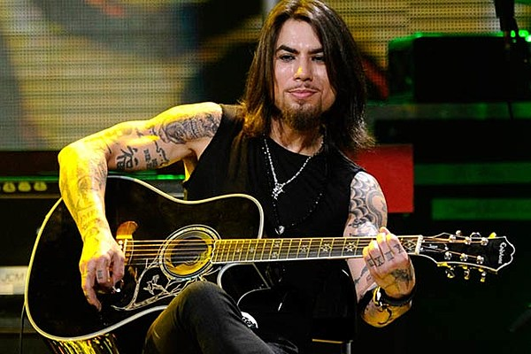 dave navarro on tattoos and why he won t remove one dedicated to ex wife carmen electra. Black Bedroom Furniture Sets. Home Design Ideas