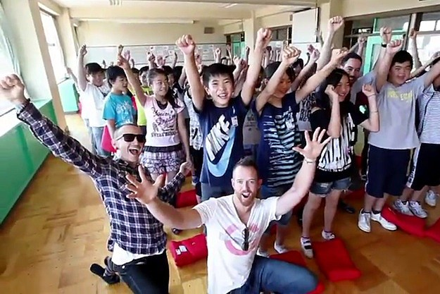 Linkin Park Visit Japanese Students