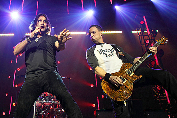 mark tremonti 39 i tried reaching out 39 to scott stapp. Black Bedroom Furniture Sets. Home Design Ideas