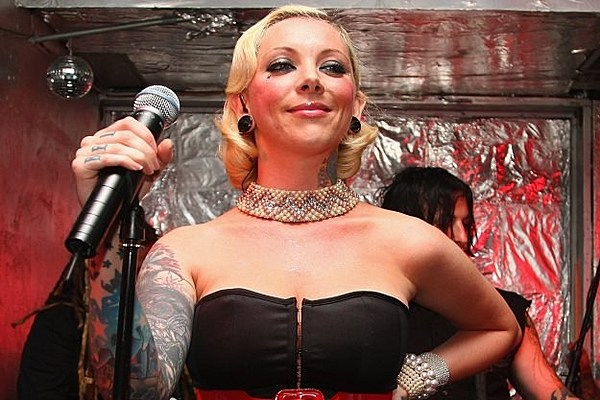 in this moment singer maria brink denounces bullying in new psa. Black Bedroom Furniture Sets. Home Design Ideas