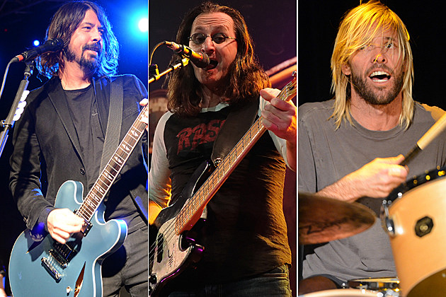 Dave Grohl-Geddy Lee-Taylor Hawkins