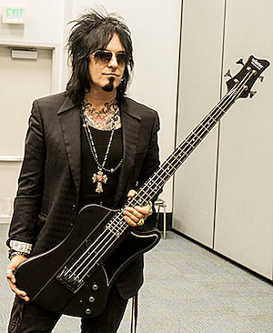 nikki sixx bass