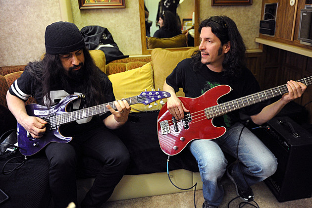 Rob Caggiano-Frank Bello