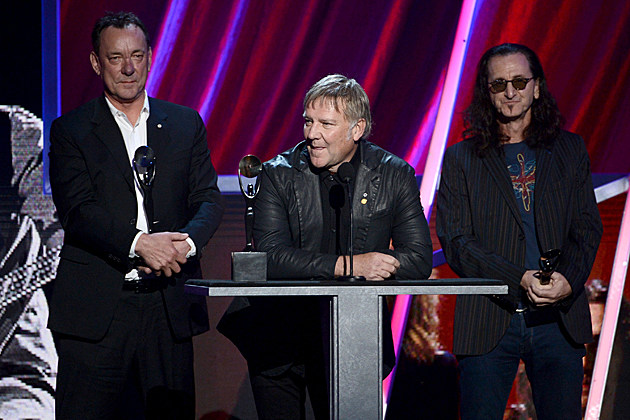 Στην θρυλική progressive rock μπάντα των Rush θα απονεμηθεί το φετινό ανθρωπιστικό βραβείο AWHA (Allan Waters Humanitarian Award) Rush