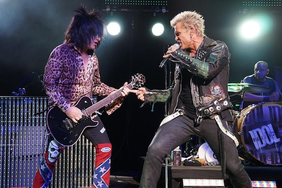 Billy Idol Rocks Port Chester, New York, With Big Assist From ...