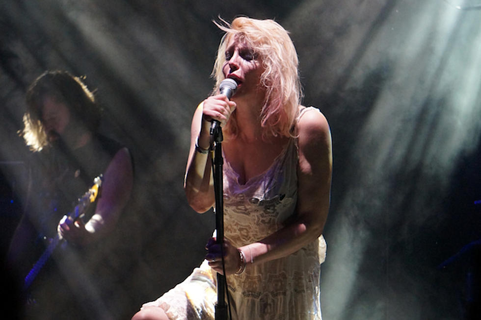 Courtney Love Gets Intimate With Fans at Gig in Port Chester, New ...