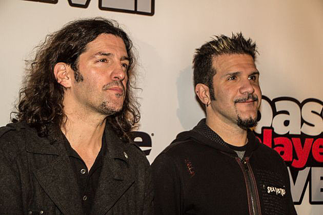 Anthrax Frank Bello Charlie Benante