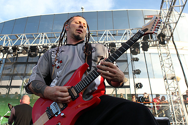 five finger death punch 39 s zoltan bathory talks fall tour. Black Bedroom Furniture Sets. Home Design Ideas