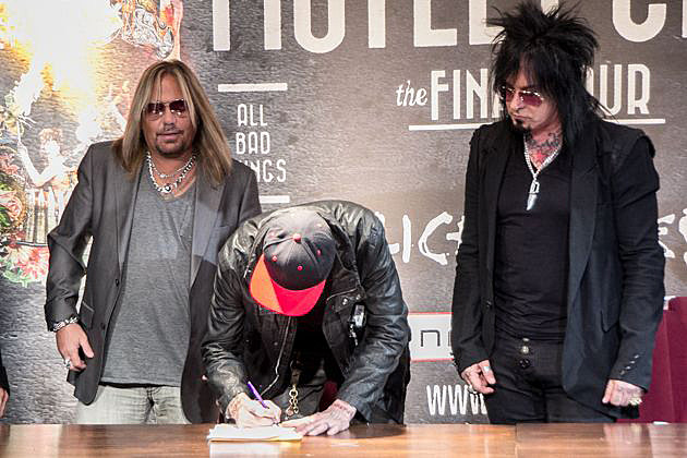 Motley Crue Sign Contract