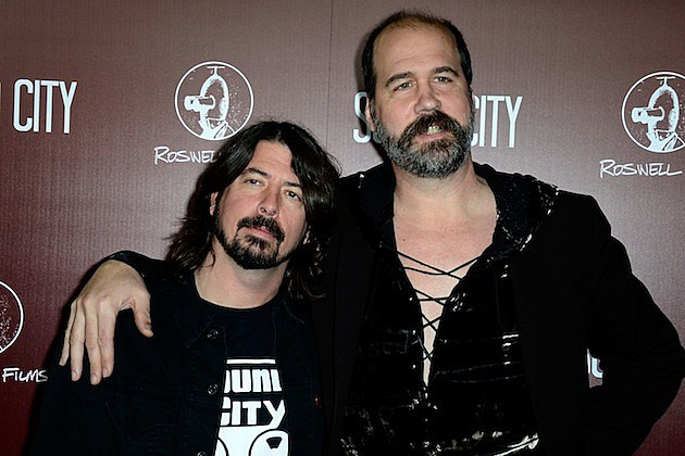 Dave Grohl and Krist Novoselic