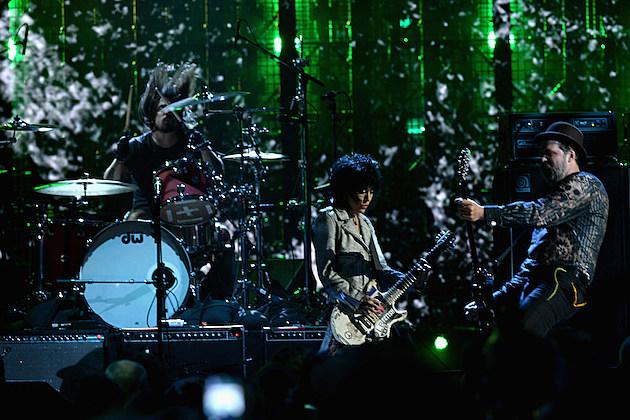 Nirvana Members With Joan Jett