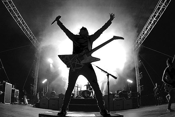 Pierce the Veil, Sleeping With Sirens + More Rock Self Help Fest