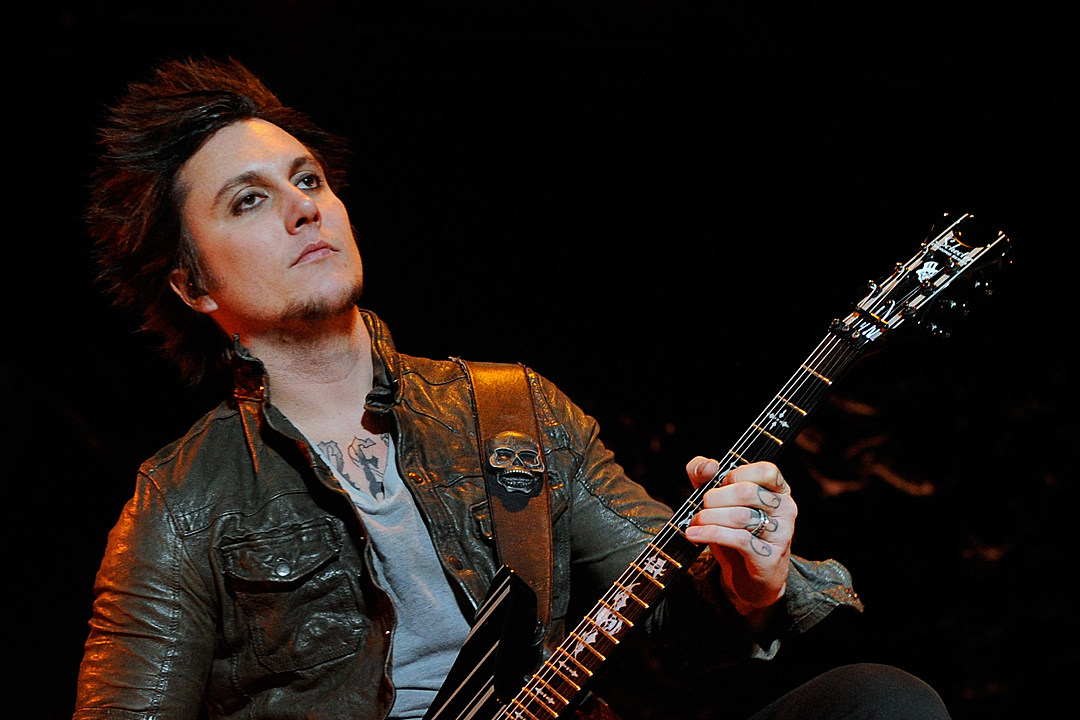 avenged sevenfold s synyster gates calls nightmare a masterpiece