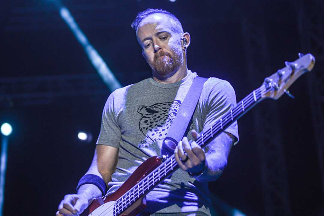Linkin Park's Phoenix Farrell Hosts Podcast, Plus News on Royal Blood, Neal Morse Band + More