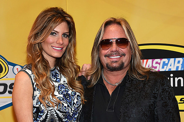vince neil to appear june 24 on abc 39 s 39 celebrity wife swap 39. Black Bedroom Furniture Sets. Home Design Ideas