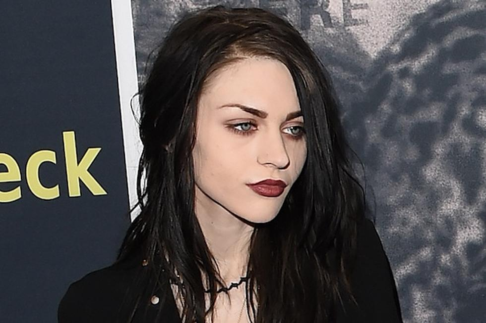Frances Bean Cobain Weds Without Courtney Loves Knowledge