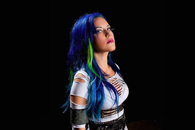 Alissa White Gluz On Twitter Congratulations To: Alissa White-Gluz Felt 'Worst Betrayal' From Split With