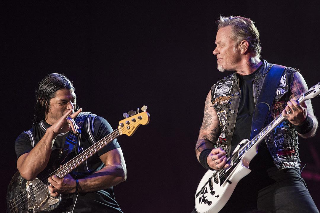 Metallica Lead Neil Young's 2016 Bridge School Benefit