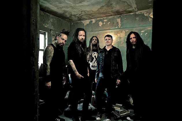 Korn Witness Wedding Proposal; Dave Grohl Visits Band's Studio