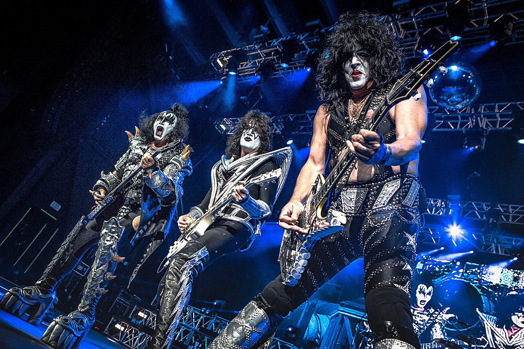 3 x KISSm - Kiss Tribute Band in Moxi Theater