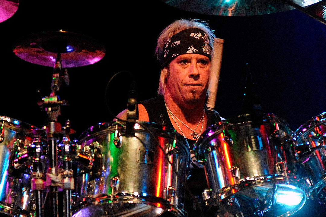 Bobby Blotzer Cautions 'Don't Believe Everything You're Hearing'; Reunited Ratt Lineup Books Festival Gig