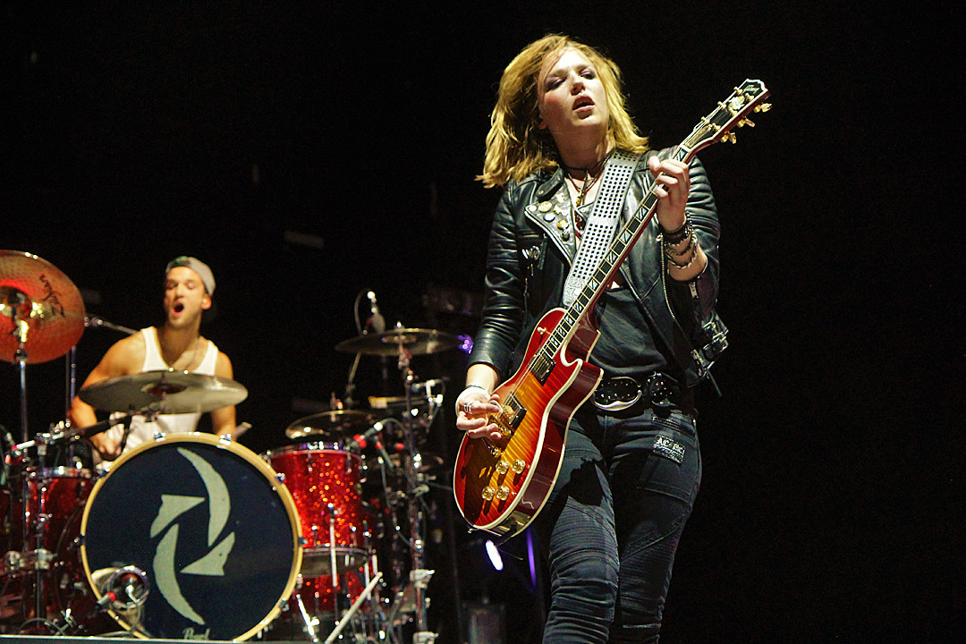 Halestorm Spread Holiday Spirit With 'Mistress for Christmas'