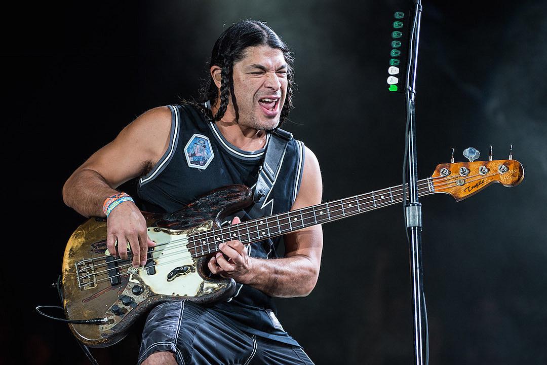 Metallica Pie Robert Trujillo for His Birthday, Post Acoustic Bridge School Performances