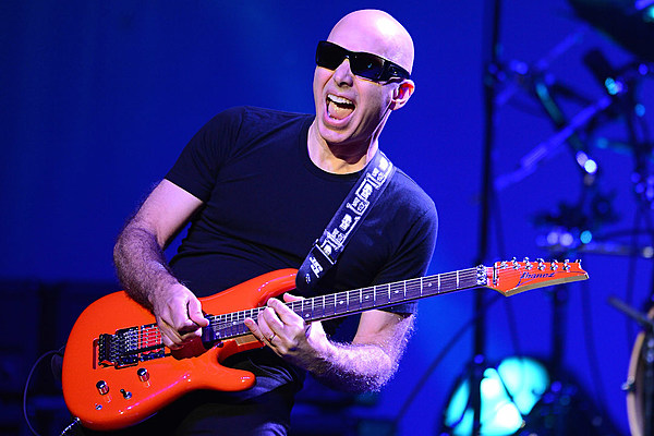 joe satriani announces 39 what happens next 39 album g3 2018 tour. Black Bedroom Furniture Sets. Home Design Ideas