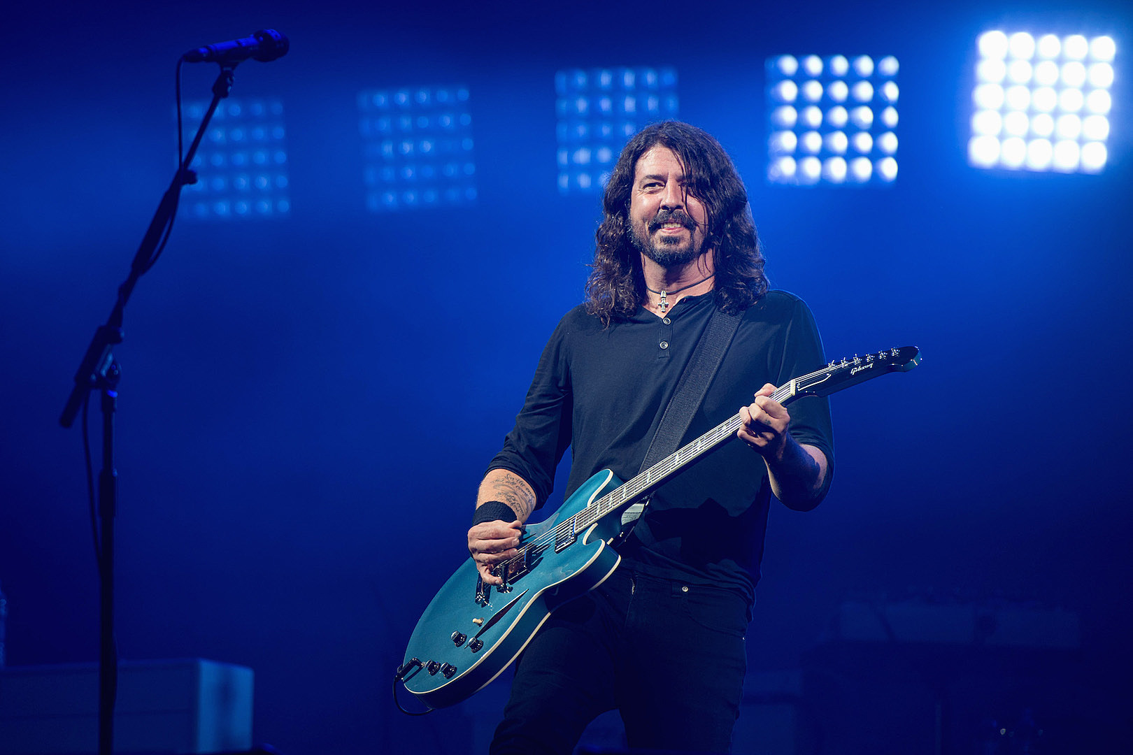 Dave Grohl Judges BBQ Cooking Contest, Plus News on Bill Ward, Fit for a King + More