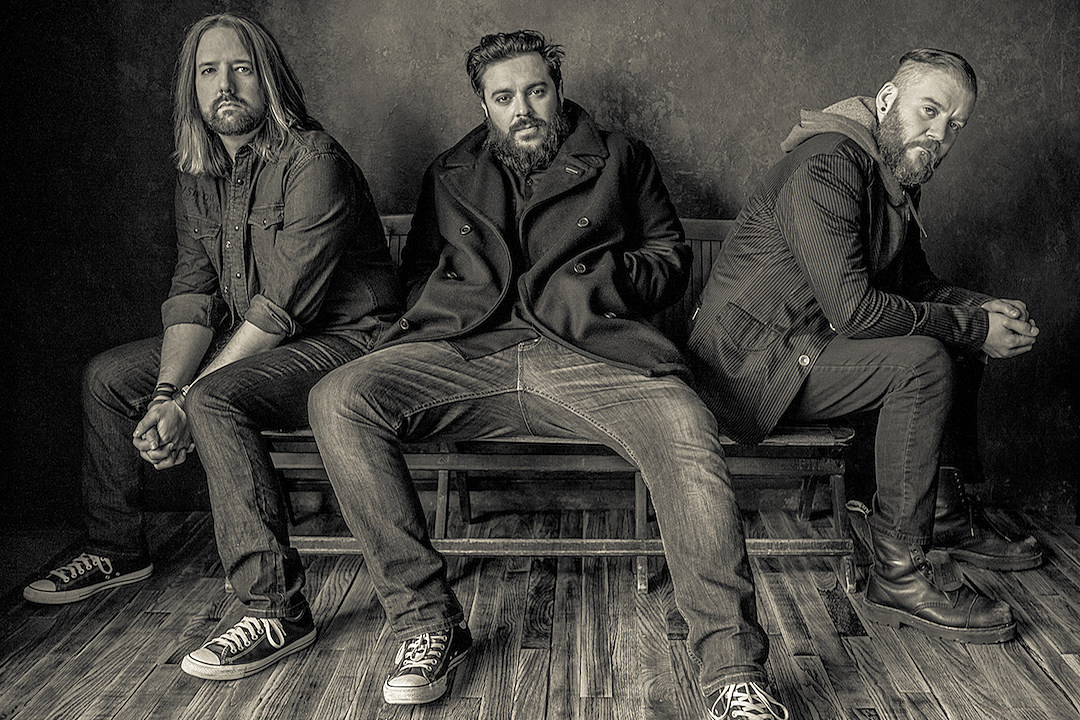 Seether Get Heavy on New Song 'Stoke the Fire'