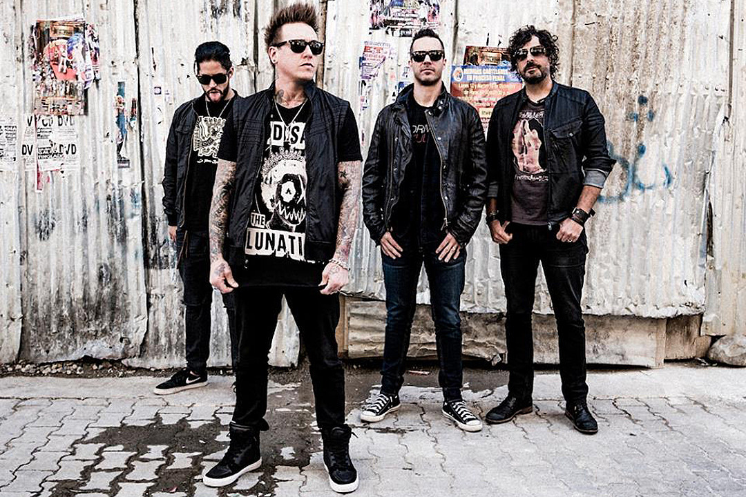Papa Roach Detail Ninth Studio Album 'Crooked Teeth,' Reveal 'Help' Lyric Video
