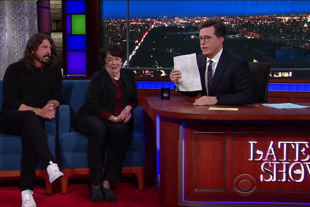 Dave Grohl + His Mom Reflect on His Childhood, Kurt Cobain's Death on 'The Late Show With Stephen Colbert'