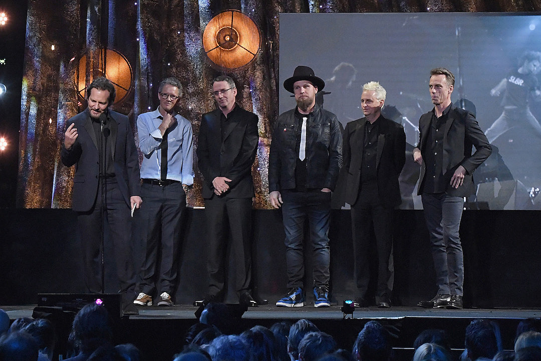 Letterman in Induct Pearl Jam Into Rock and Roll Hall of Fame