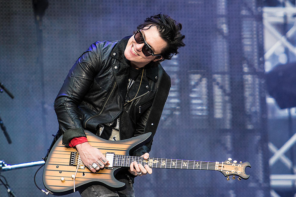 A7xs Synyster Gates I Cried When I Had To Leave My Newborn