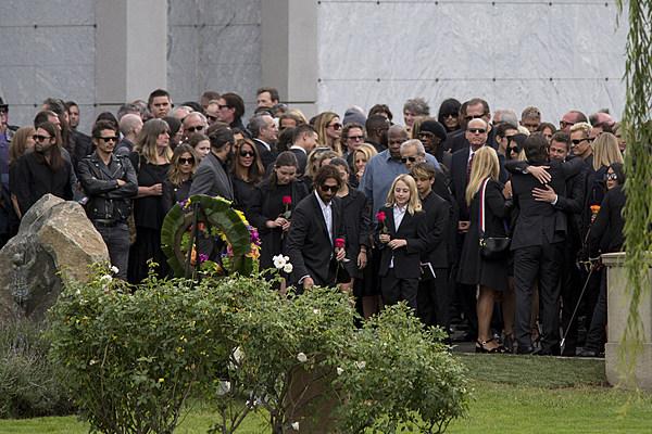 Resultado de imagen para chris cornell funeral