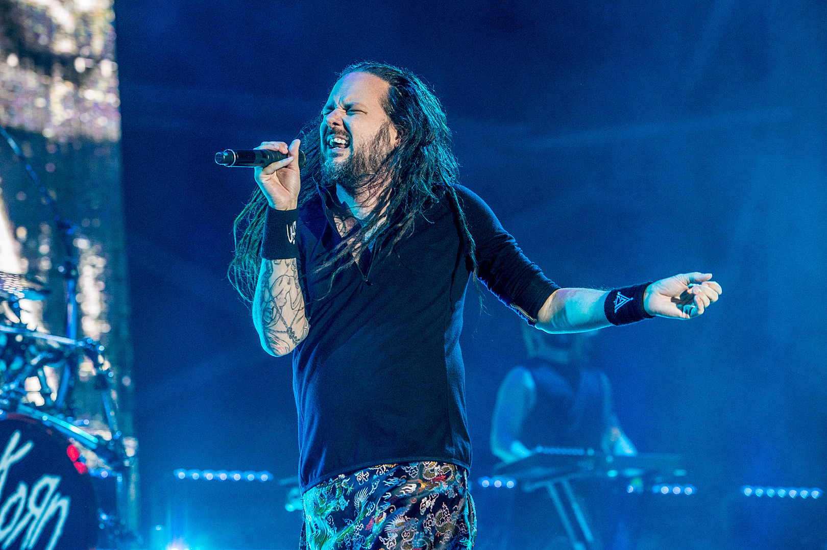 Jonathan Davis on Playing After Wife's Death: 'Out Here Is My Therapy'