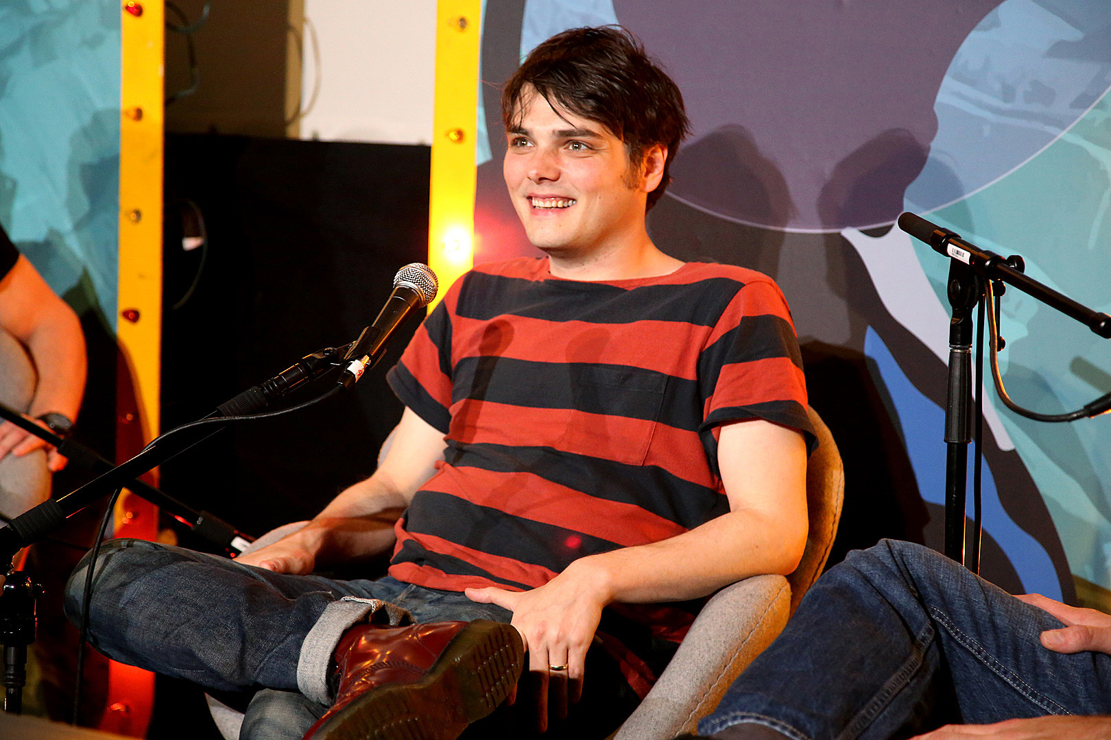 Gerard Way I Wouldnt Count Out A My Chemical Romance Reunion