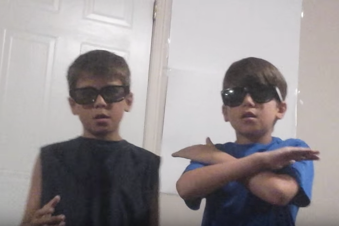 Two 11-Year-Olds Rap Linkin Park's 'In the End' – Best of YouTube