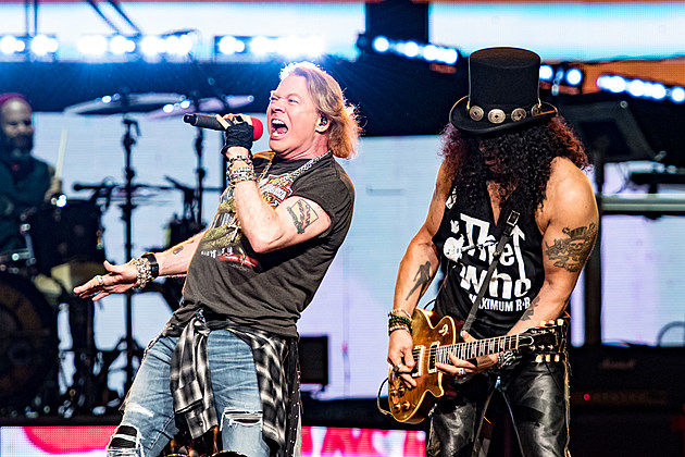 Guns N 39 Roses Turn Madison Square Garden Into Rock 39 Paradise 39