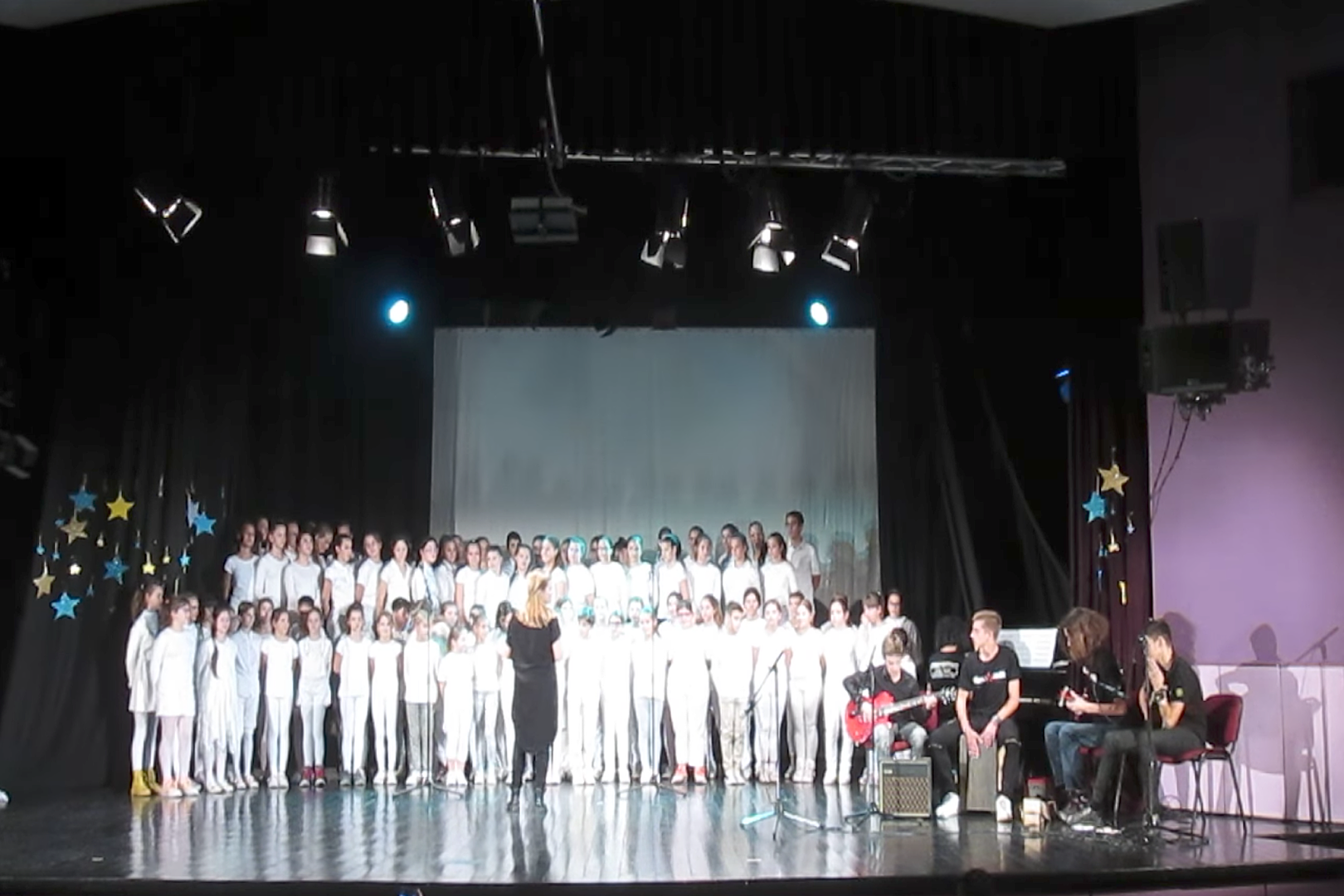 Children's Choir Covers Iron Maiden's 'Fear of the Dark'