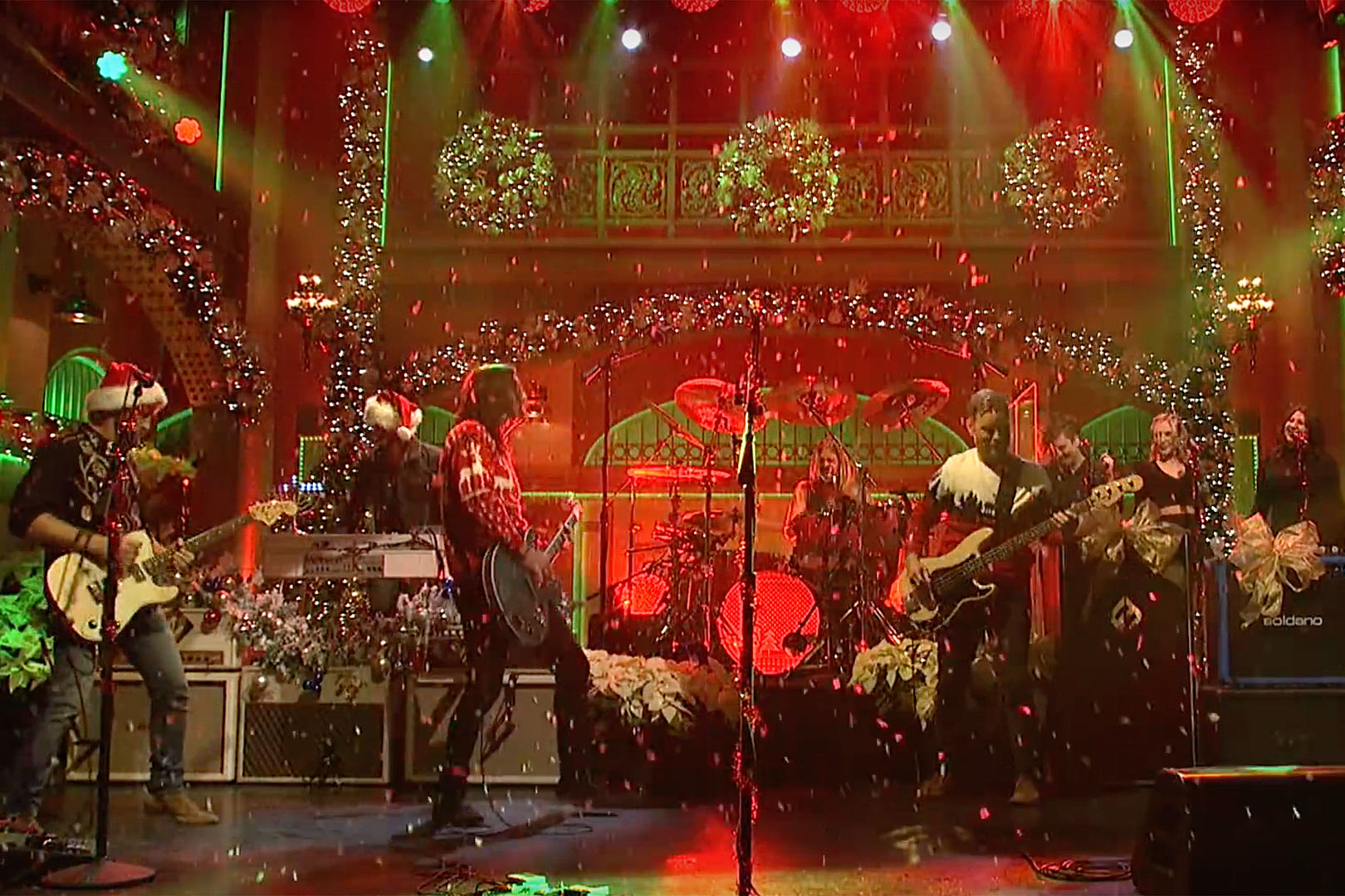 Foo Fighters Celebrate 'Everlong' Christmas, Rock 'The Sky Is a Neighborhood' on 'Saturday Night Live'