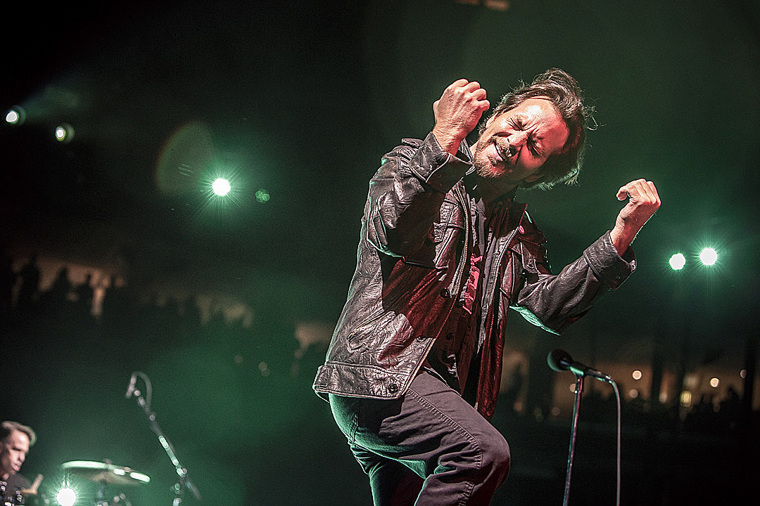 Pearl Jam Welcome 'Baby Trump' Balloon at London Gig