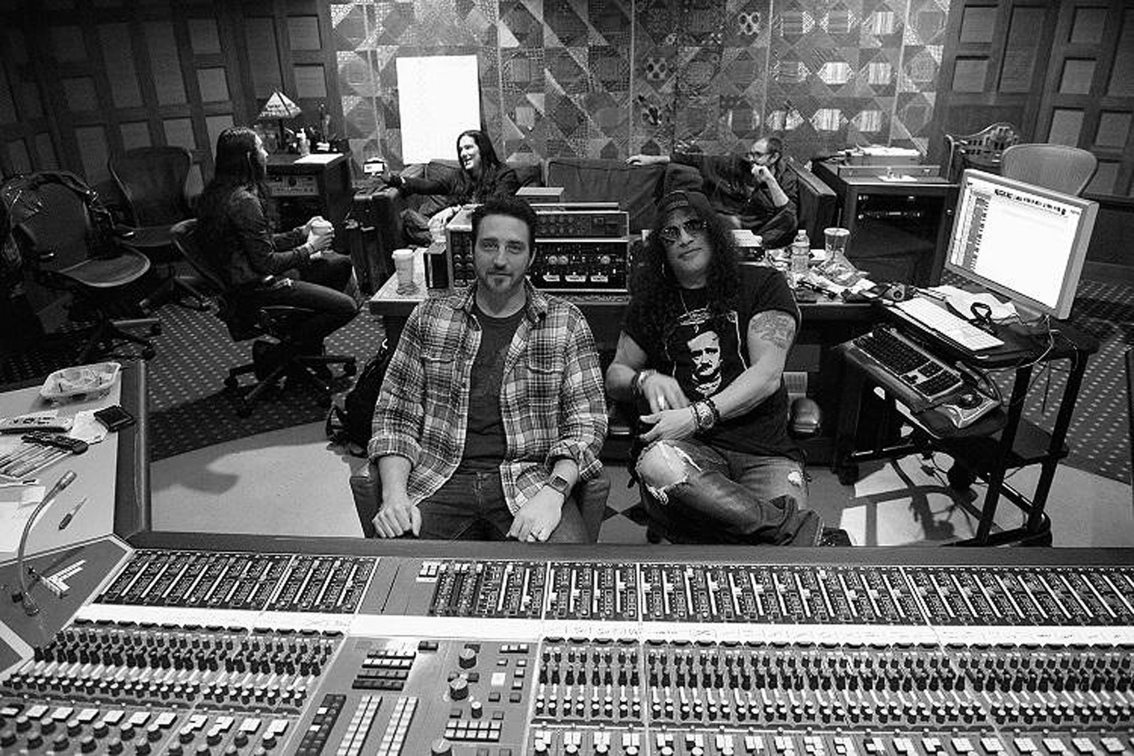 Slash Reconnects With Myles Kennedy and the Conspirators for Fall 2018 Album
