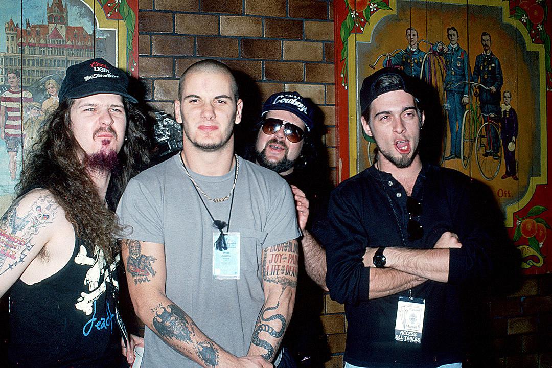 Ex-Pantera Bassist Rex Brown Comments on Vinnie Paul's Death