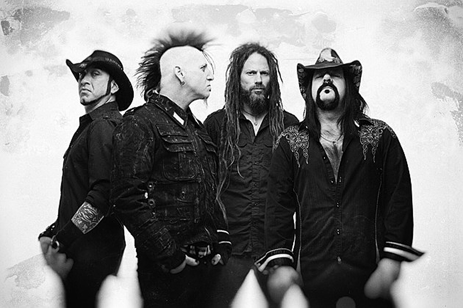 Hellyeah's Tom Maxwell: 'Vinnie Paul Is Greatly Loved and Missed, But His Music Will Live Forever'