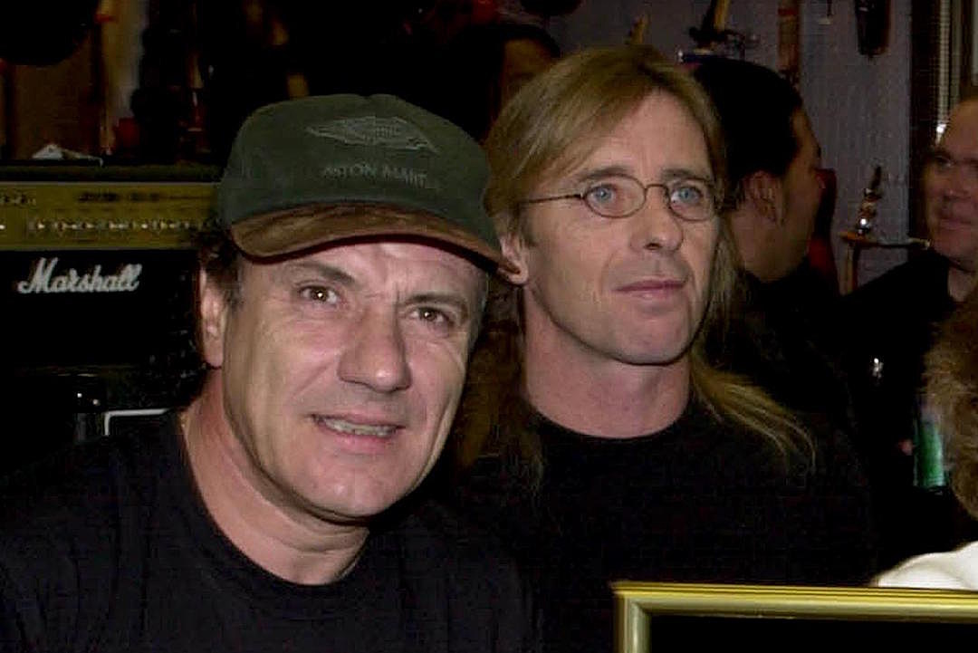 REPORT: AC/DC Reunite With Brian Johnson + Phil Rudd, New Album Coming