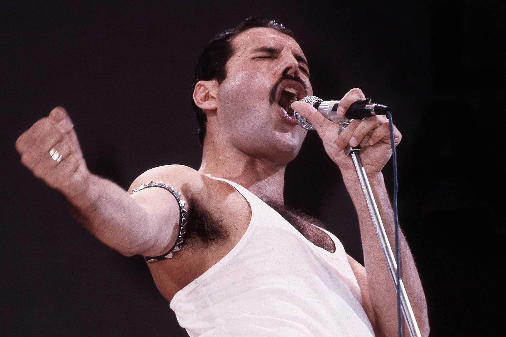 10 Unforgettable Freddie Mercury Moments