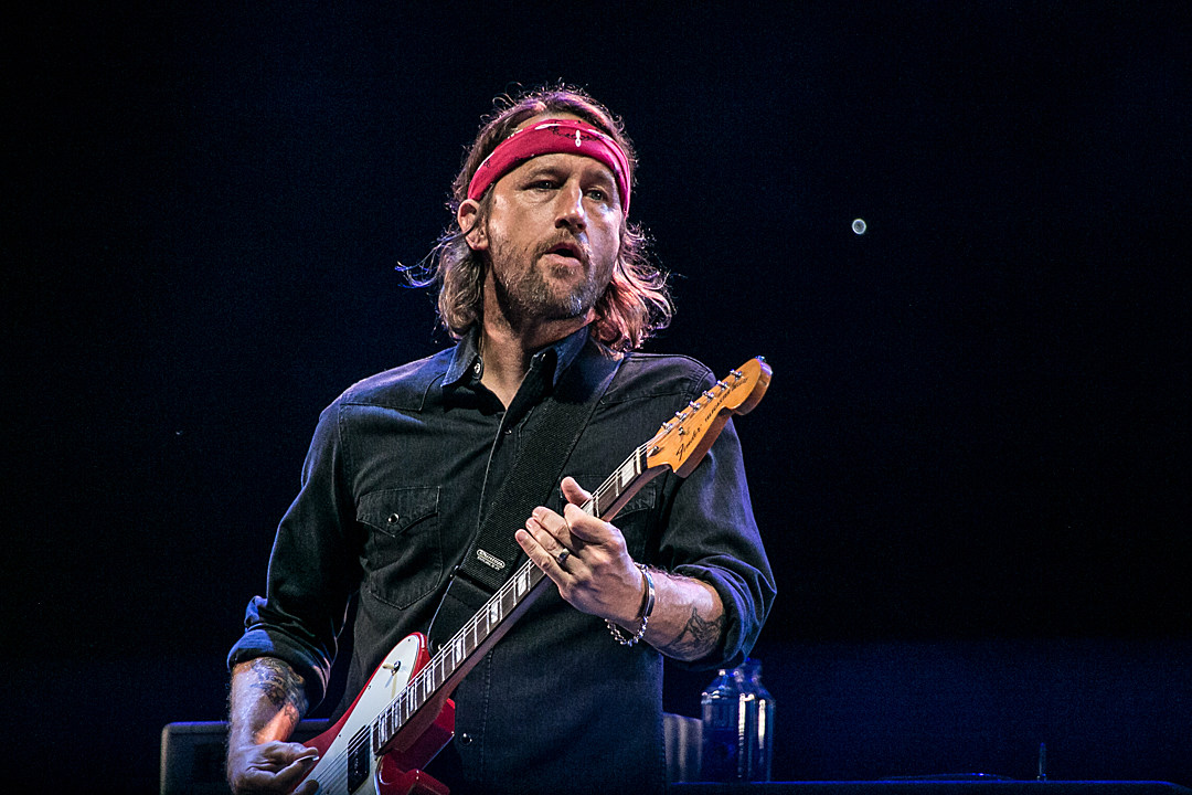 Foo Fighters' Chris Shiflett: Consistency Is the Key to Success