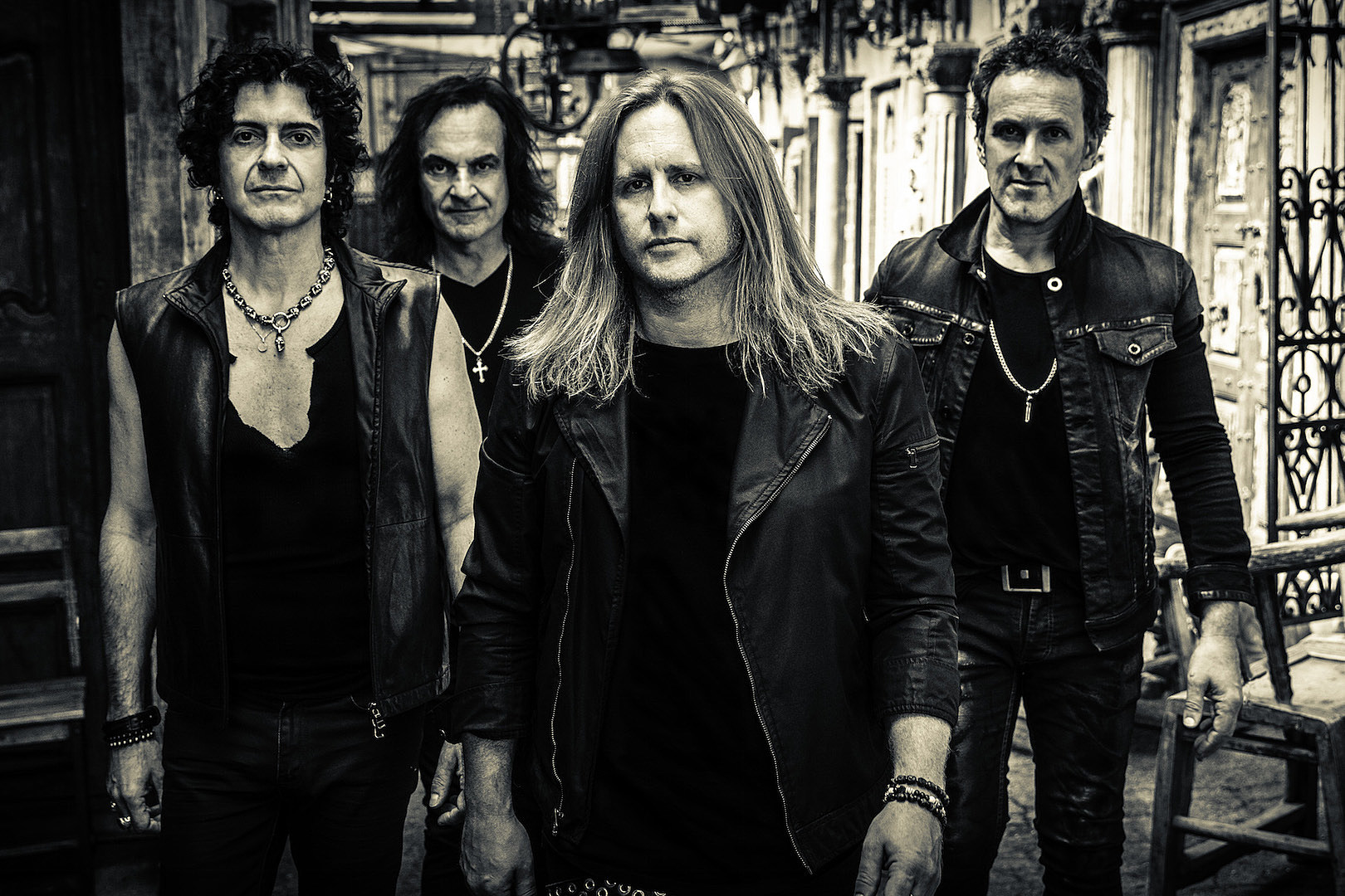 Vivian Campbell: Last in Line Didn't Want a Singer Who Could Emulate Ronnie James Dio