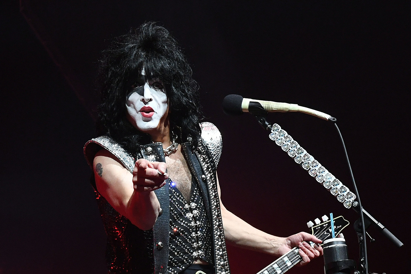 Paul Stanley's 98-Year-Old Father Goes to a KISS Show